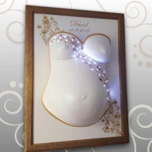 Blumenranken mit LED-Lichterkette, Schmetterlinge, gold Babybauch Ivana Irmscher Be happy Gipsabdruck Fürth