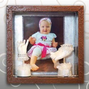 Bilderrahmen-braun-Handabdruck-Babyfussabdruck-Linda