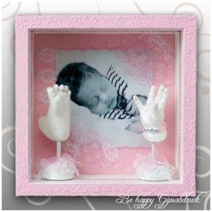 Bilderrahmen-rosa-Handabdruck-Fussabdruck-Mara