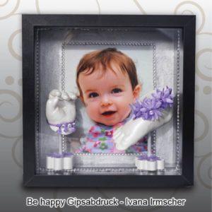 Bilderrahmen-schwarz-Handabdruck-Babyfussabdruck-Mia