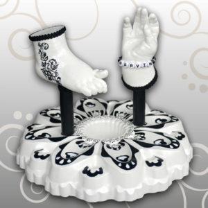 Handabdruck-Babyfußabdruck-tattoo-schwarz-weiß