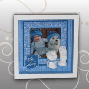 Baby-Handabruck-und-Hund-Pfote