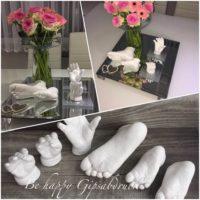 Geschwister-Handabdruck-Fussabdruck-Spiegelplatte-mit-Vase-